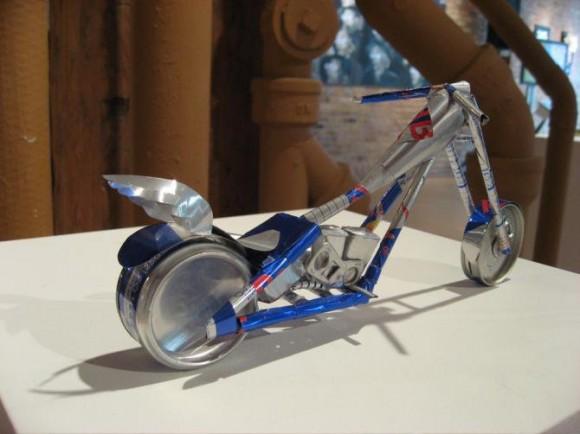 アメリカンバイク Red Bull空缶アート