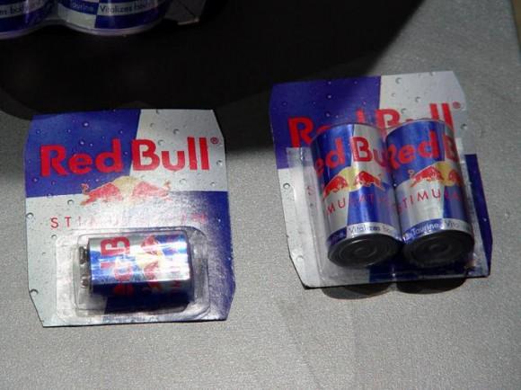 電池 Red Bull空缶アート