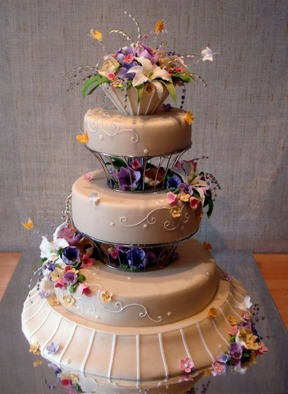 beautiful-and-creative-wedding-cakes-10