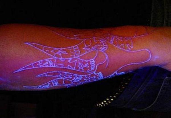 blacklight-tattoos-11