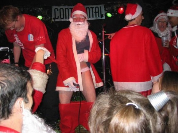 christmas-gone-crazy-pictures-4