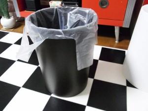 ゴミ袋を隠してくれるゴミ箱