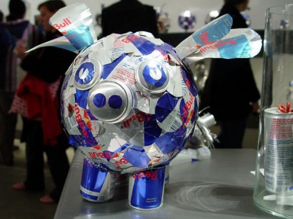 ブタ(豚) Red Bull空缶アート