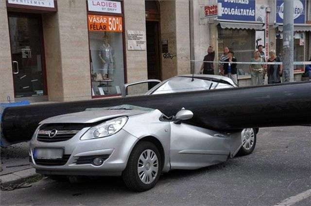 dangerous-car-parking-4