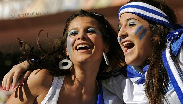 greek-girls_world-cup-2010
