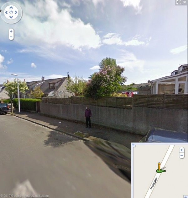 horse-boy-on-googlemaps7
