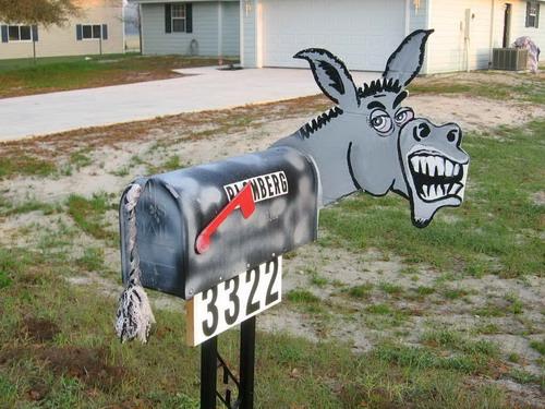 horse-mailbox-01