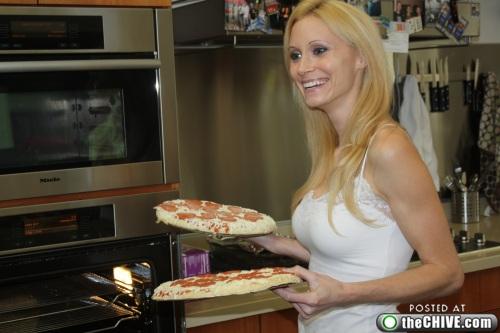 hottie-makes-a-double-decker-pizza-burger-pics-04