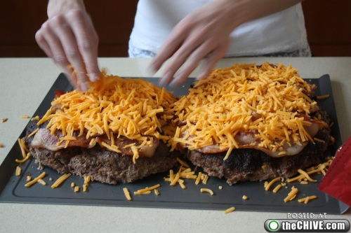hottie-makes-a-double-decker-pizza-burger-pics-17