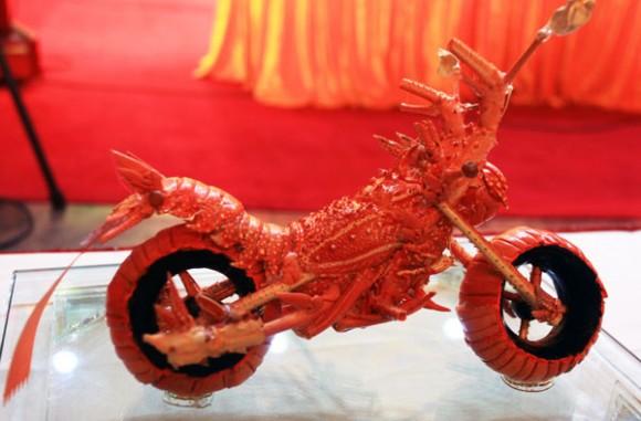 ロブスター殻バイク