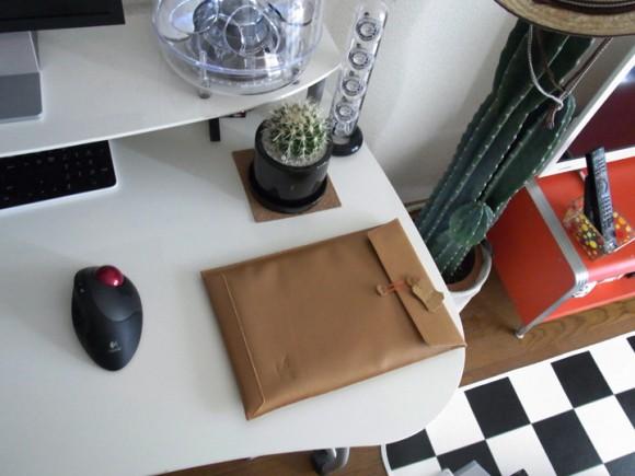 MacBook Air用封筒風ケースレビュー