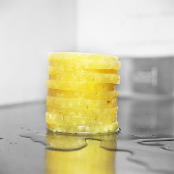凍ったパイナップル