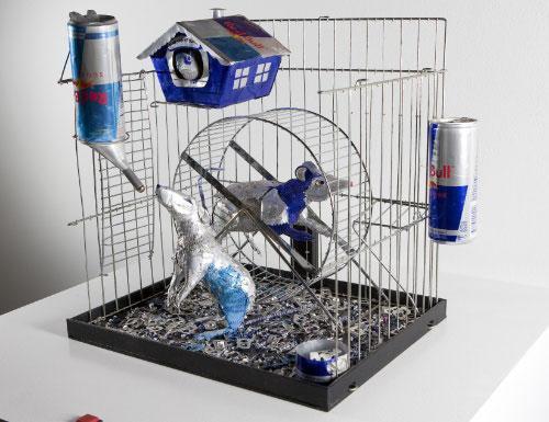 ハムスター Red Bullの空き缶を使ったアート