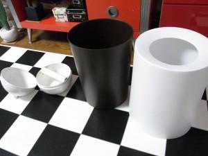 ツボのティッシュボックスとゴミ箱