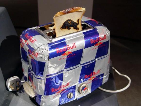 トースター レッドブルの空き缶を使ったアート