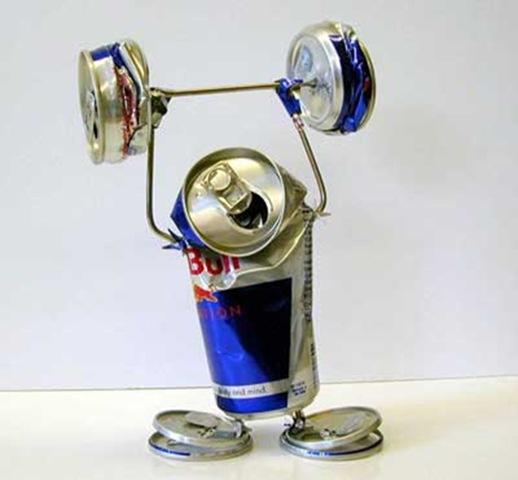 ウェイトリフティング レッドブルの空き缶を使ったアート