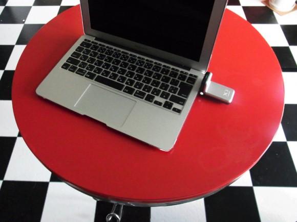ドコモのxi(クロッシィ)とMacbook Airを接続する方法