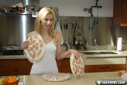 hottie-makes-a-double-decker-pizza-burger-pics-03