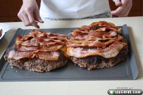 hottie-makes-a-double-decker-pizza-burger-pics-15