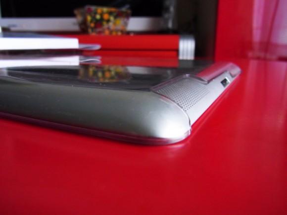 iPadクリアケースの厚み