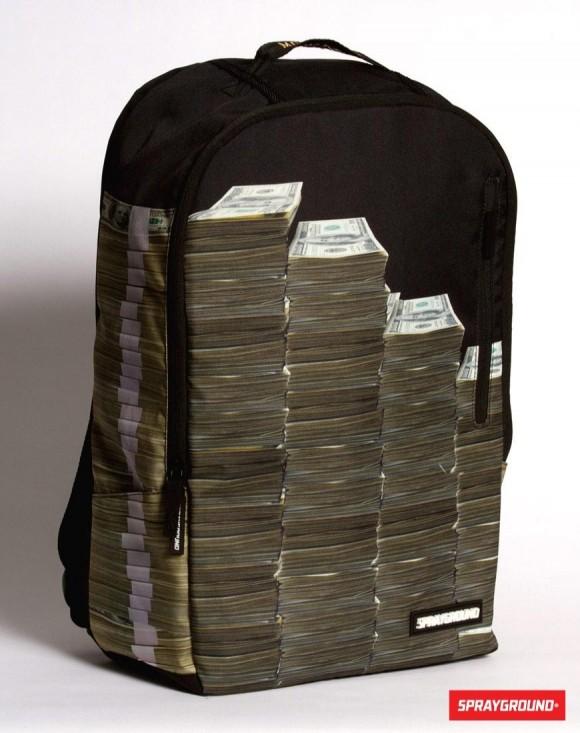 まるでお札を積んだみたいなバックパック