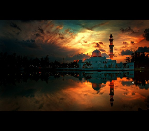 tengku-tengah-zaharah-mosque-6